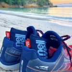 smell+well+shoes-beach